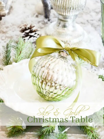 SILVER AND GOLD  CHRISTMAS TABLE