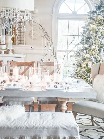 CHRISTMAS CANDLELIGHT TABLE