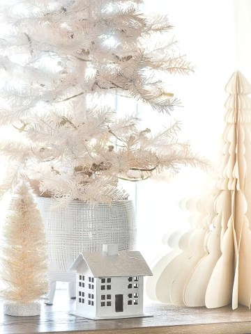 HOW TO STORE CHRISTMAS DECOR WITH NEXT YEAR IN MIND