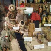 Doll Display 006