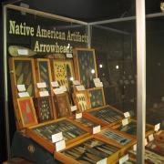 Indian Artifact Arrowhead Display 002