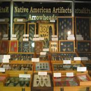 Indian Artifact Arrowhead Display 005