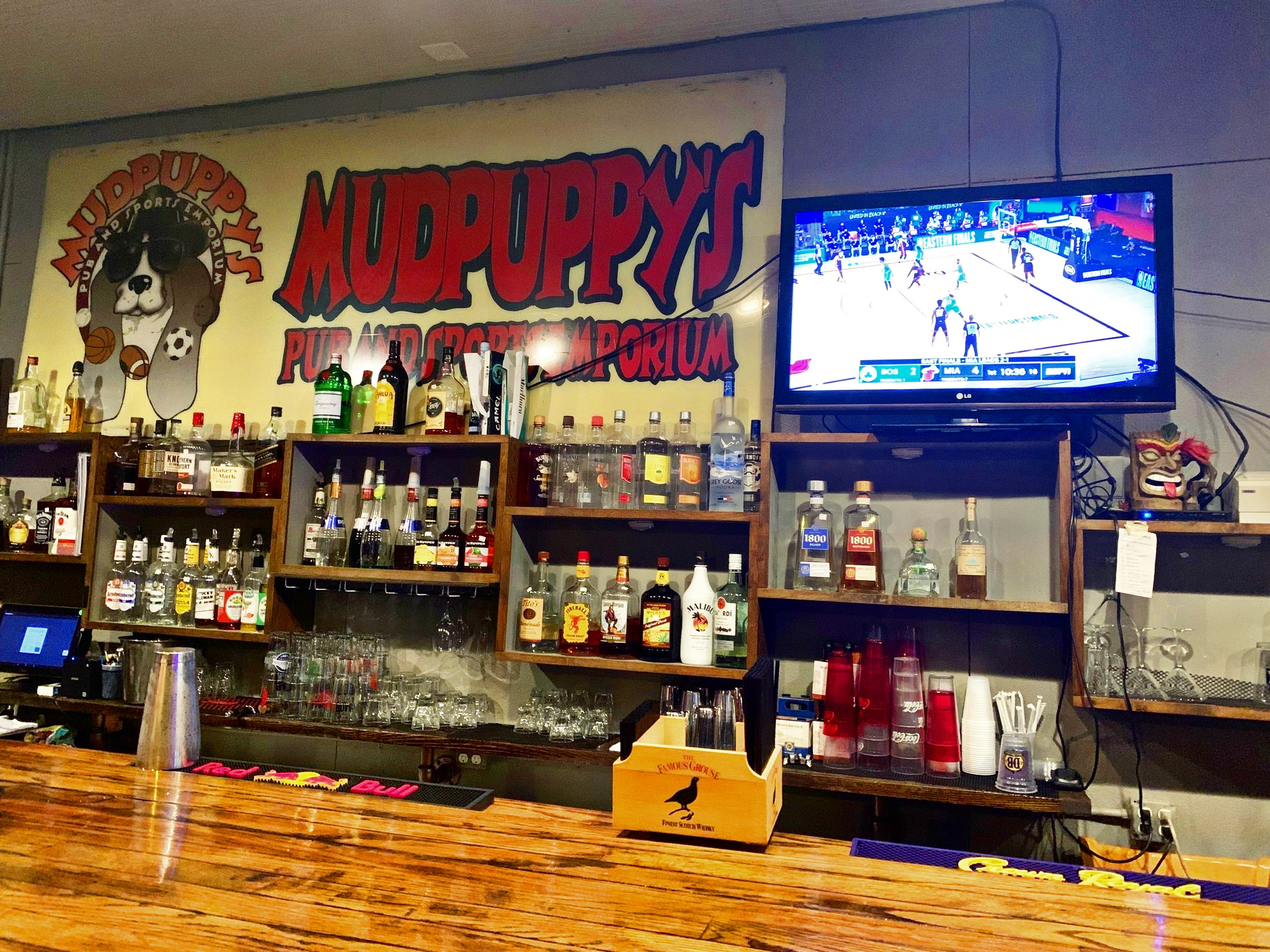 Mudpuppy's original bar