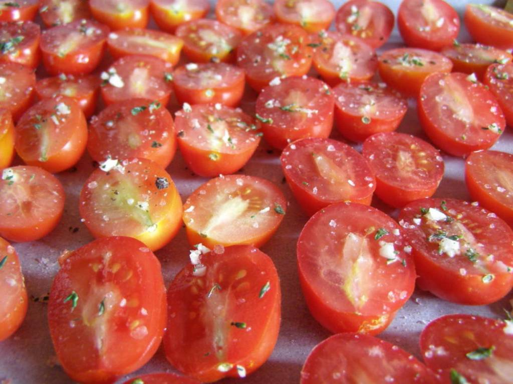 Drying tomatos