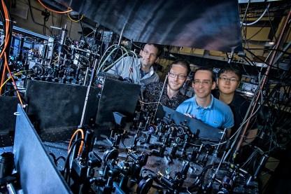 Atomic Matter Waves