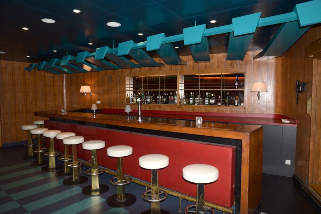 Baldakijn in Tropic Bar is voltooid