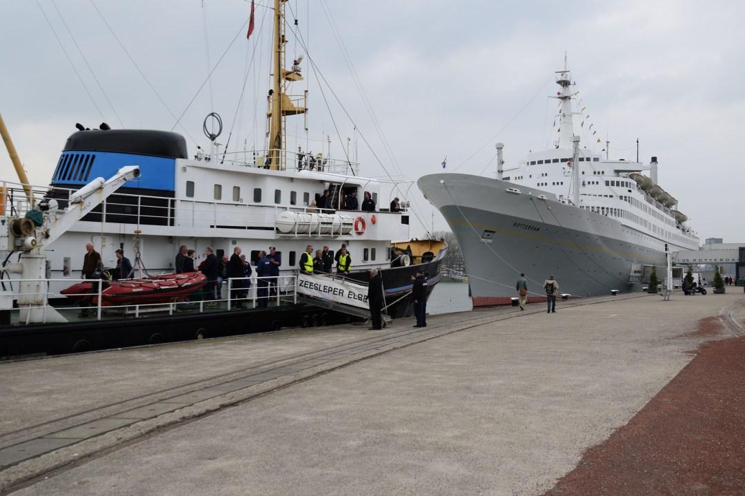 60 jarige Elbe bezoekt het ss Rotterdam