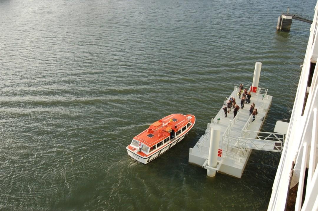 ss Rotterdam boarding platform