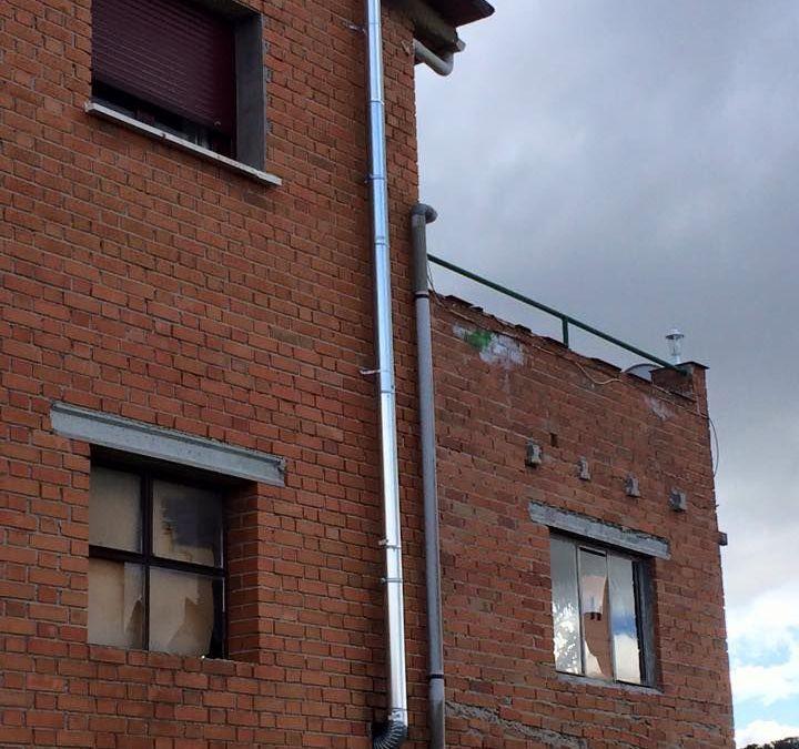 Arreglar una instalación de chimenea defectuosa