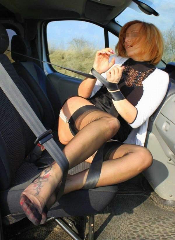 Milf di Cagliari ama il carsex ed incontra per sesso foto uno