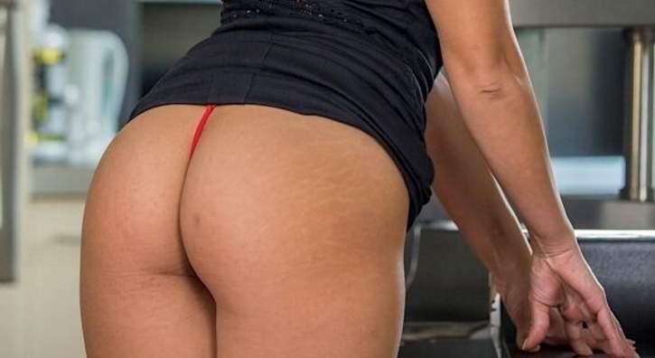 Bella casalinga fa incontri di sesso a Bari