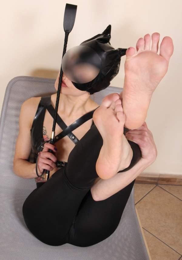 Annunci mistress a Cagliari di padrona sexy foto uno