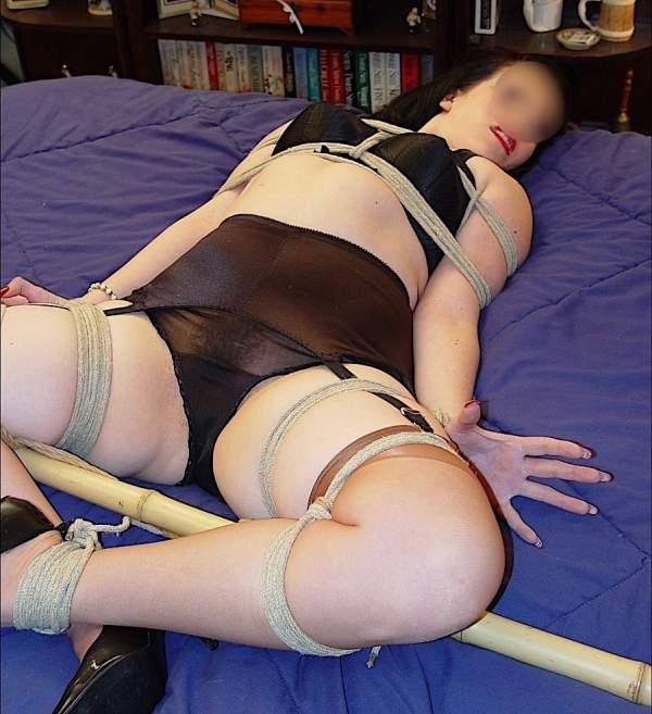 Fetish Roma, slave quarantenne incontra master sexy - Foto uno posa prima
