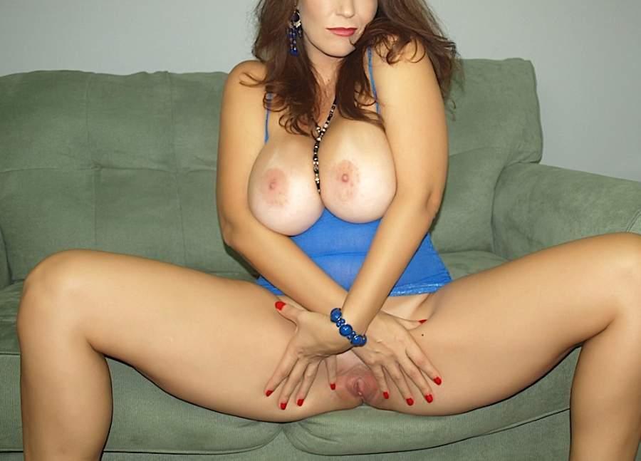 Bella ninfomane quarantenne di Milano cerca sesso