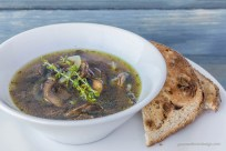 Herbed mushroom and onion soup