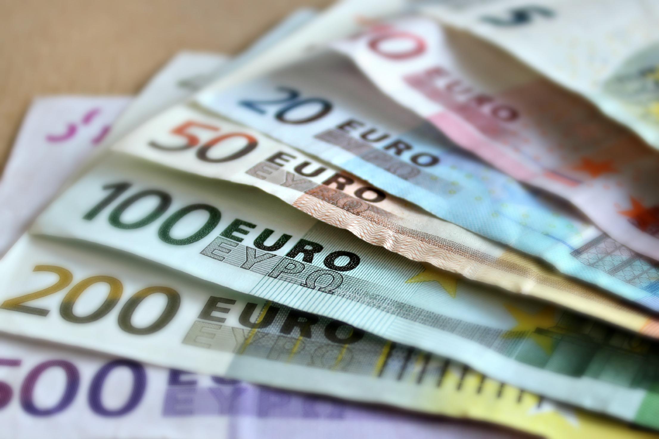 bank-note-euro-bills-paper-money-63635
