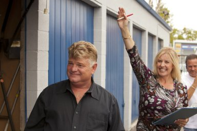 dan dotson and his wife laura on the scene of a storage sale