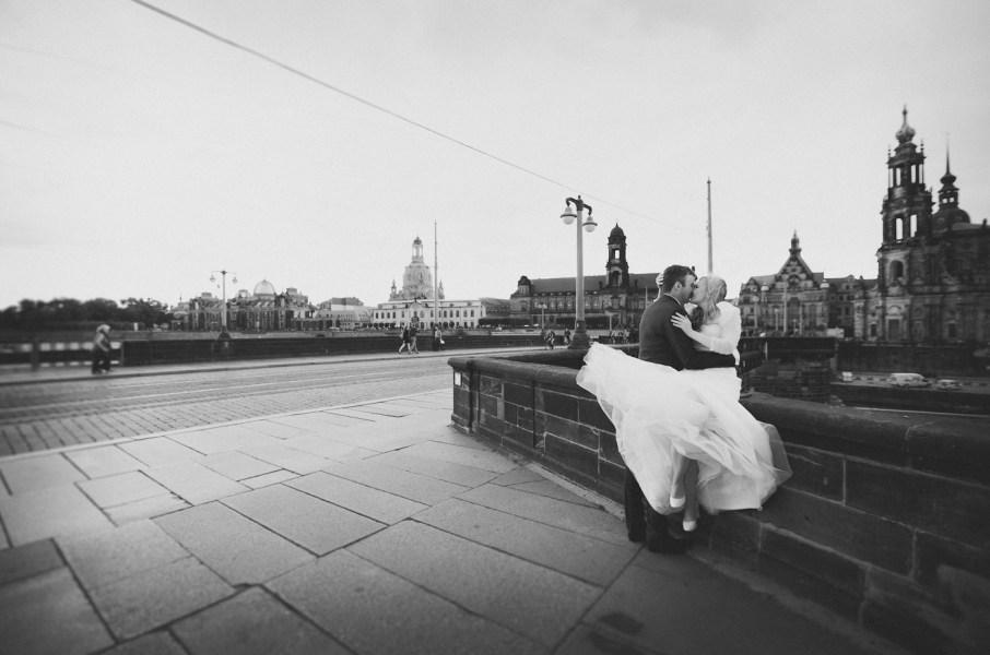 Warum du Hochzeitsfotos in Schwarz/Weiß mit abgeben solltest