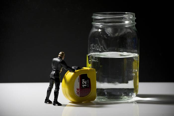 Pessimismus-Glas-halb-voll-leer