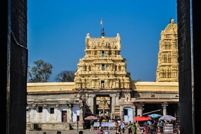 Outer Courtyard | Virupaksha Temple of Hampi | Stories by Soumya #hampi #virupakshatemple #karnataka #incredibleindia