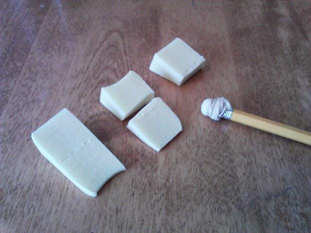 DIY-small-round-sponge-brush