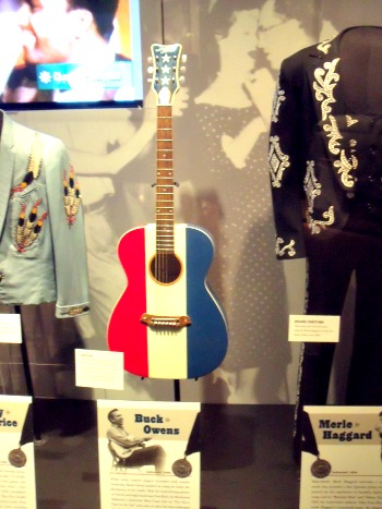 Country Music Hall of Fame - StowandTellU