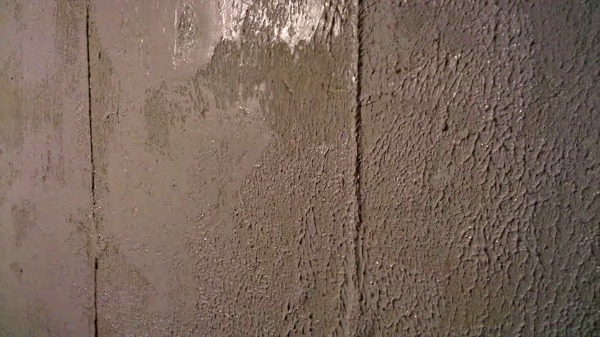 Knock Down Texture for a Stone Look on Basement Walls StowTellU