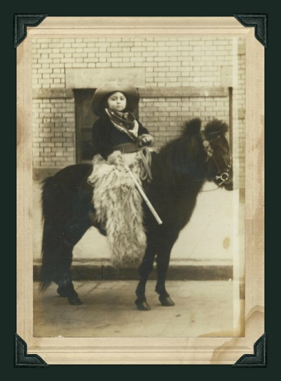 vintage-photo-picture-of-child-on-a-pony