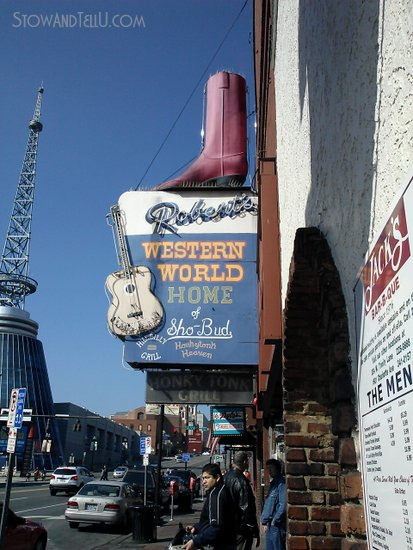roberts-nashville-honky-tonk-day-time