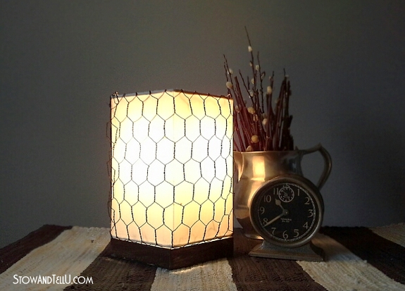 diy-chicken-wire-wrapped-lamp-shade