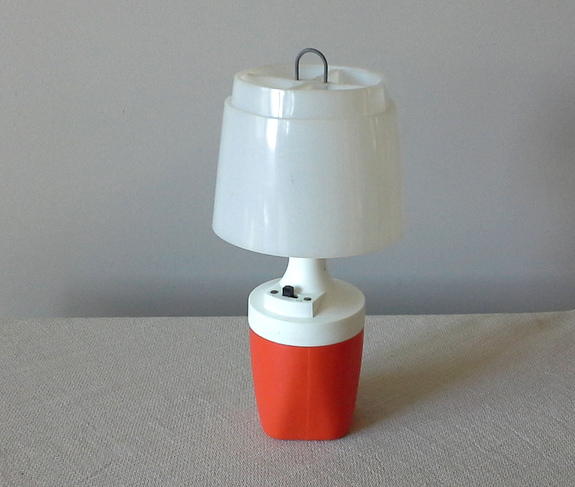 battery-powered-camping-lamp
