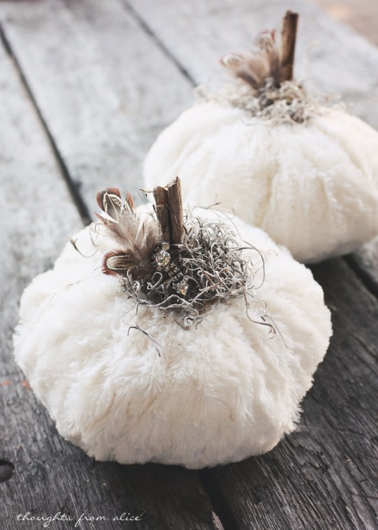 Faux-Fur-White-Fabric-Pumpkins-with-Feathers