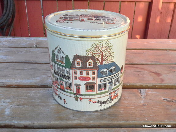 old-cookie-tin