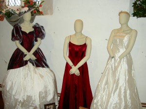Photo: Brides and bridesmaid from the 1990s