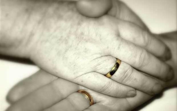 Garantenpflicht, Garantenstellung, Unterlassen, Totschlag, Ehepartner, Ehegatten, Ehe, Lebenspartner, Lebenspartnerschaft, StGB, StPO, BGH, BVerfG, LG, Oldenburg, Schwurgericht