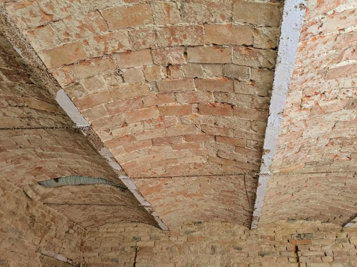 Ziegel Sandstrahlen Gewölbe