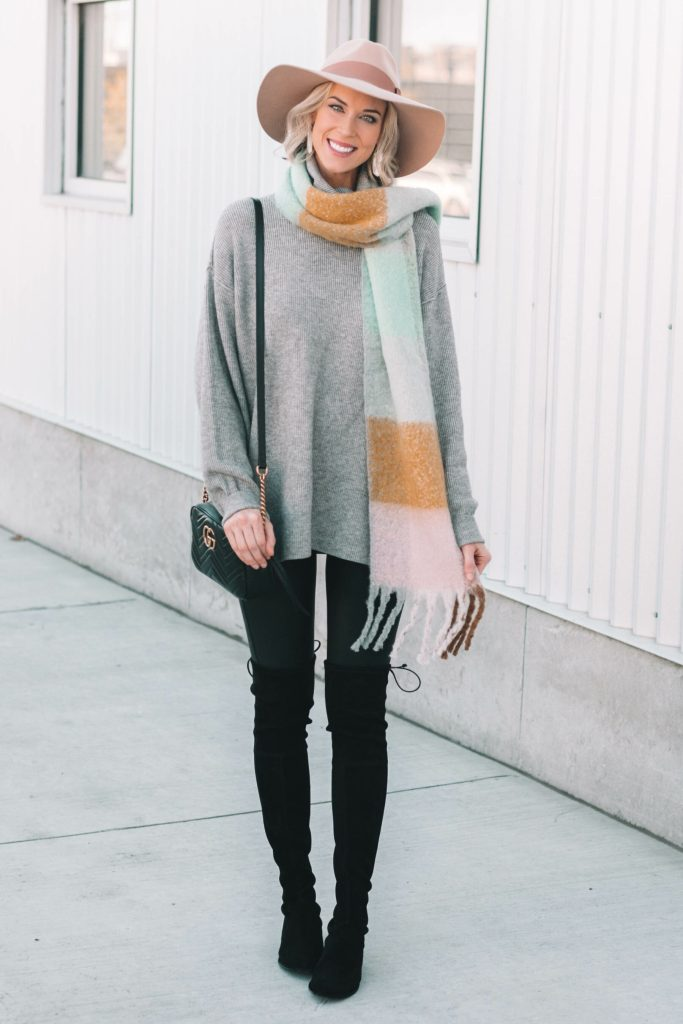 fall layered outfit, sweater, leggings, cute hat
