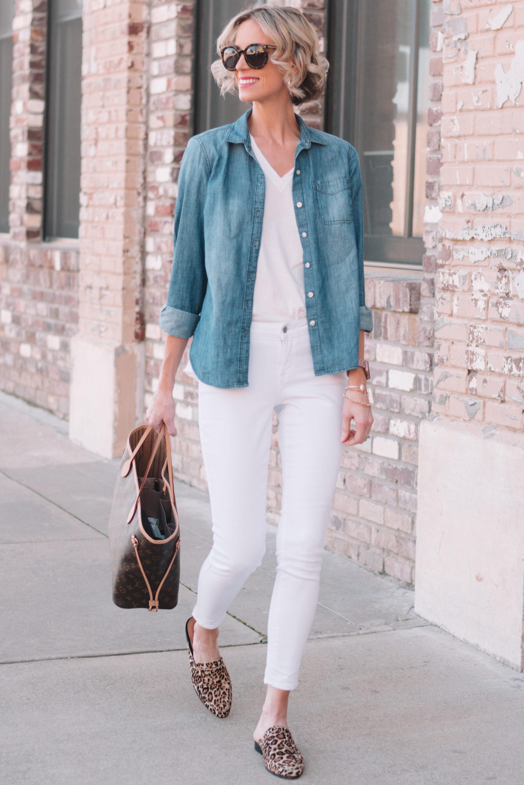de4edc5c852 Mini Capsule Wardrobe - 4 Ways to Style a White T-Shirt - Straight A ...
