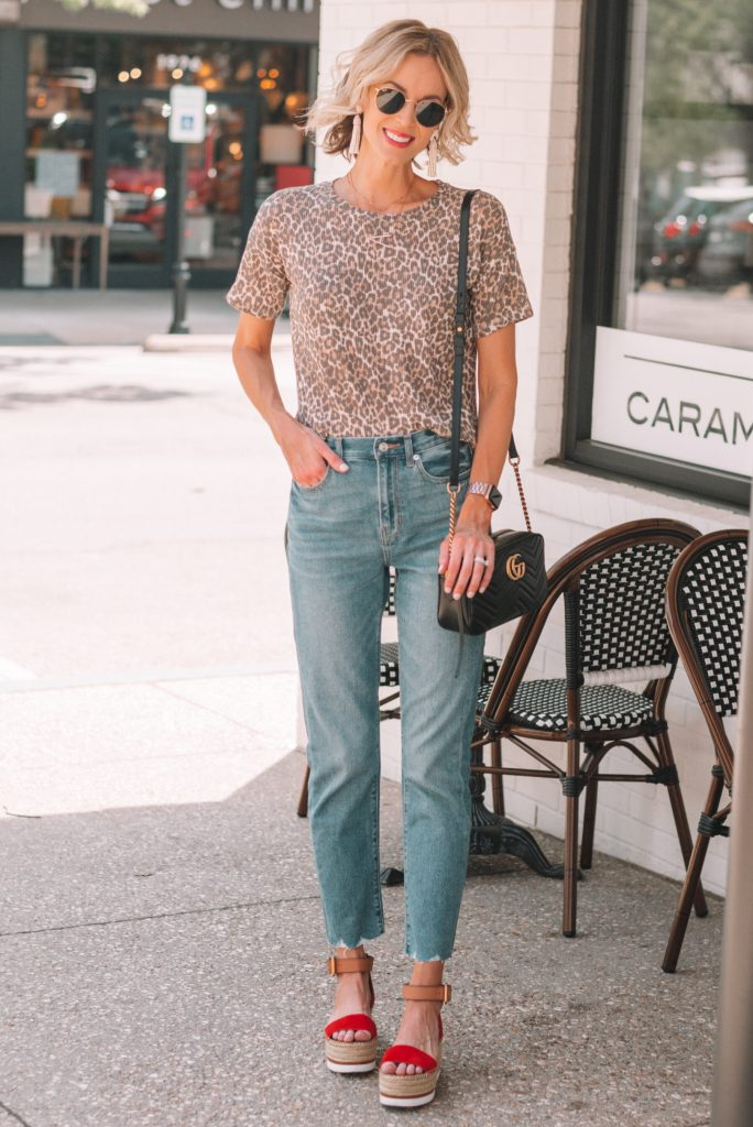 leopard t-shirt and jeans, straight leg mom jeans