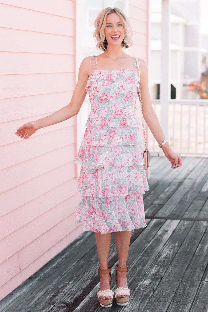Tiered Floral Dress - Perfect for Summer Weddings