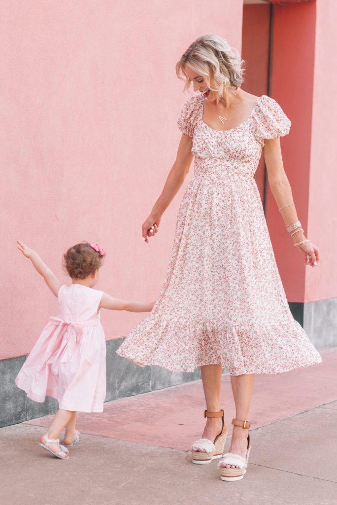 mommy daughter twirls