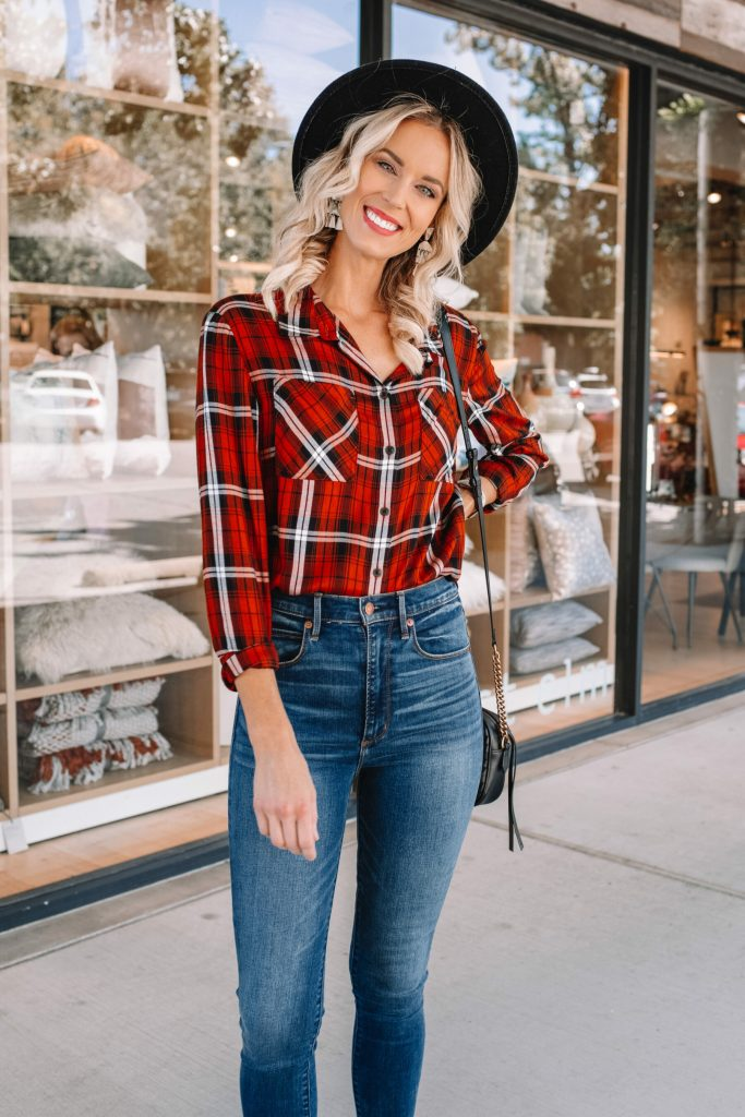 the perfect fall flannel, high waisted skinny jeans, adorable and easy fall outfit
