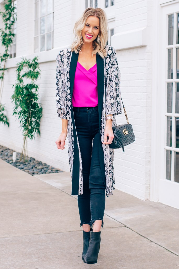 hot pink tank top, hot pink camisole, snakeskin kimono, how to wear a duster