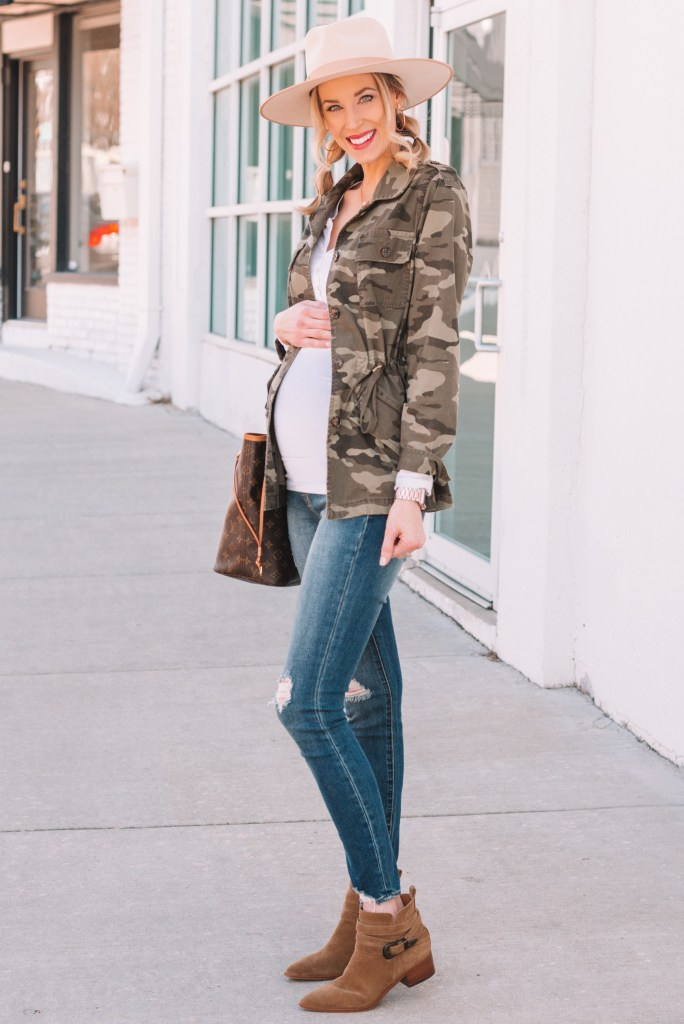 maternity outfit, edgy maternity outfit, spring maternity outfit, camo utility jacket