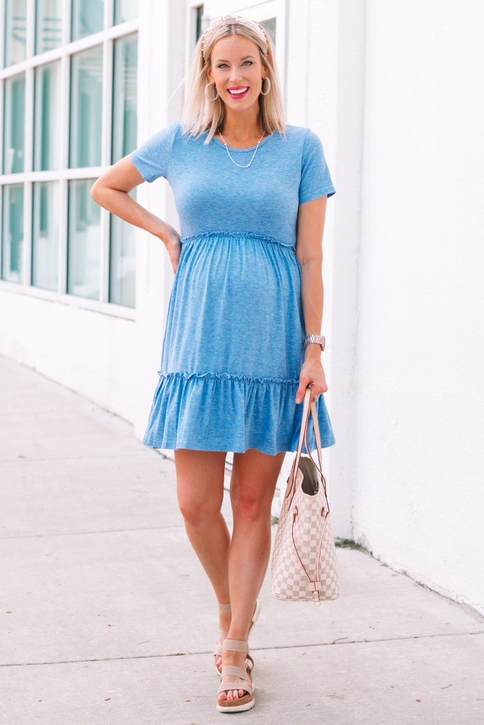 Whether you are pregnant, not pregnant, or postpartum this dress is flattering and so cute!