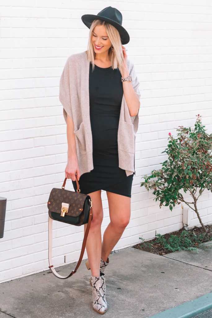 I love this poncho and fitted dress combination for an easy fall transition outfit.
