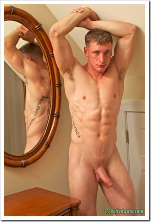 porn-army-gay-Active Dutys new recruit Tucker is 21 years old (19)
