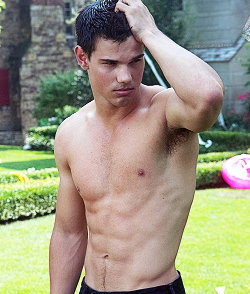 Opinion you Taylor lautner naked photos