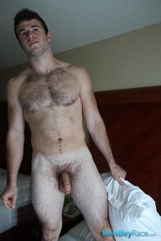 Hairy blonde guy — photo 3