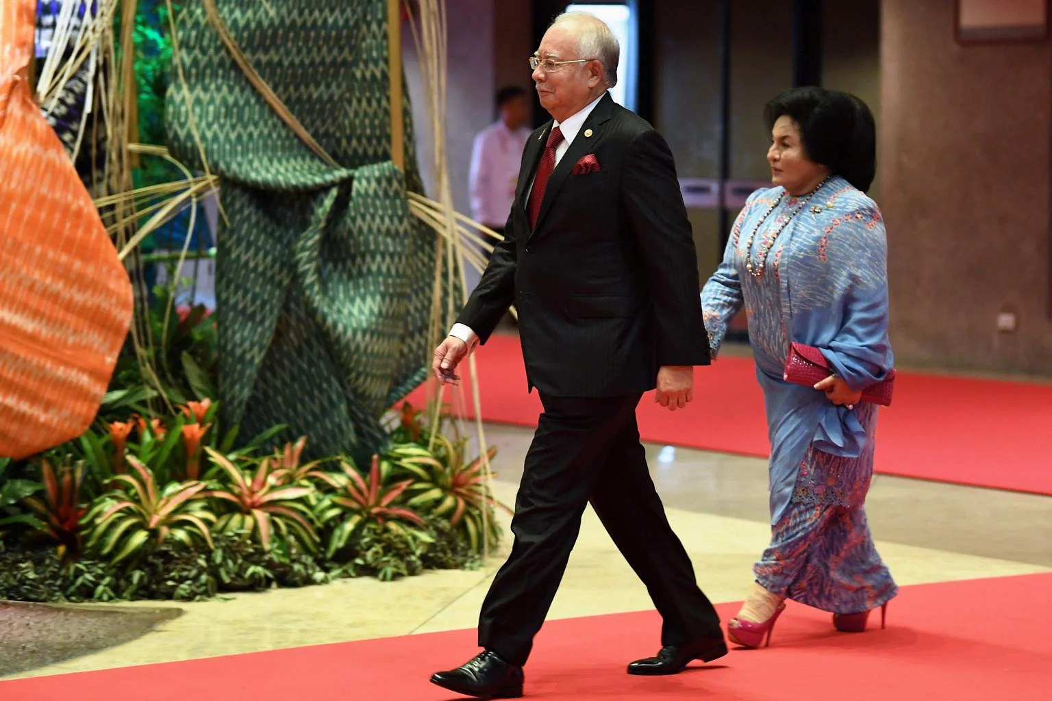Image result for Rosmah and he  pink diamonds